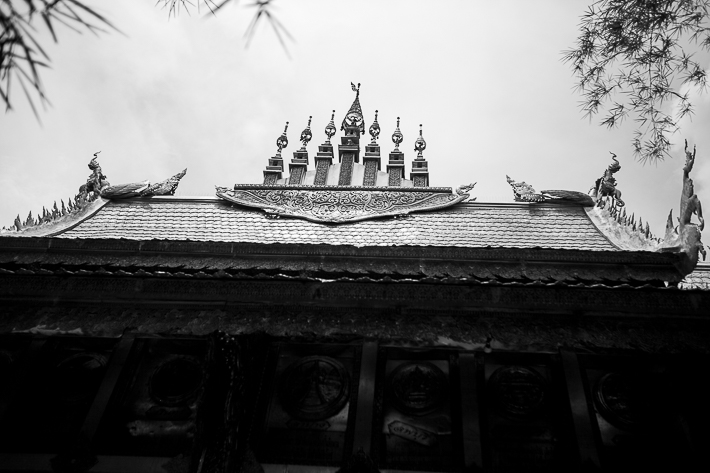 a travel photo of the silver temple roof in chaing mai thailand